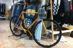 Telaio di bicicletta decorato effetto legno - Bike chassis decorated with wood effect