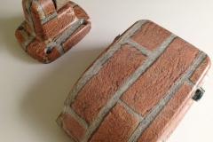 Riflettore decorato con effetto mattone - Light reflector decorated with brick effect